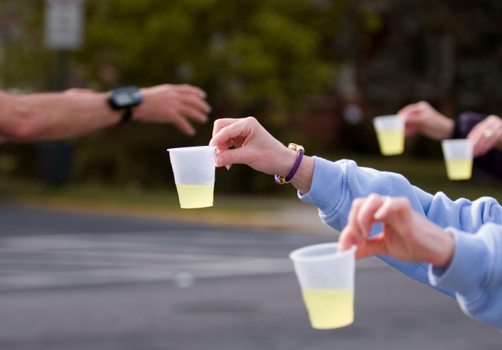Researchers: runners, beware the water station - Canadian Running Magazine