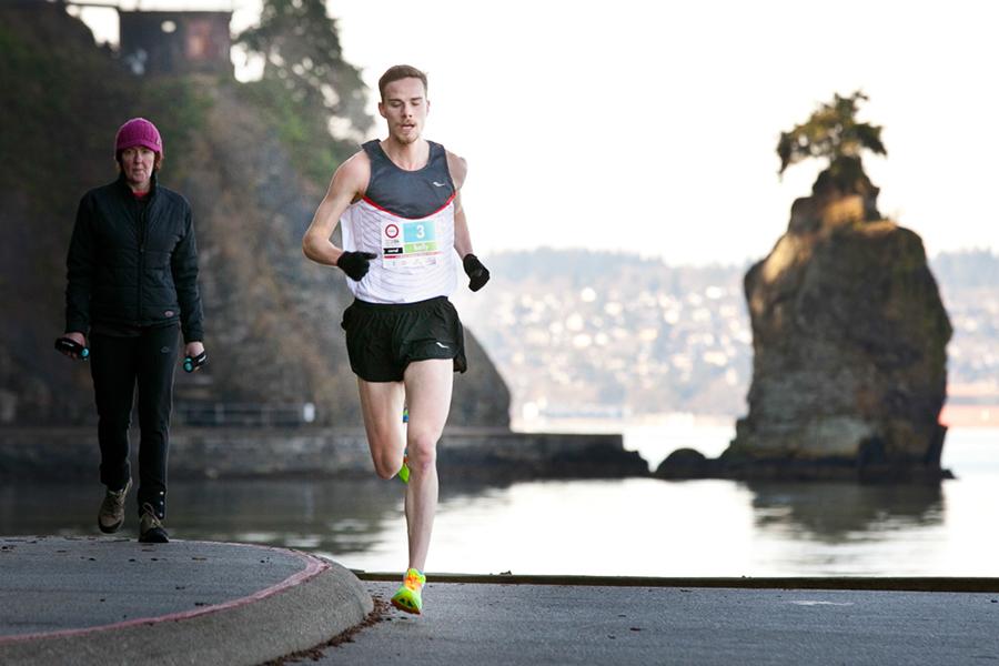 Kelly Wiebe racing the Modo Spring Run-Off 8K. Photo: Canada Running Series