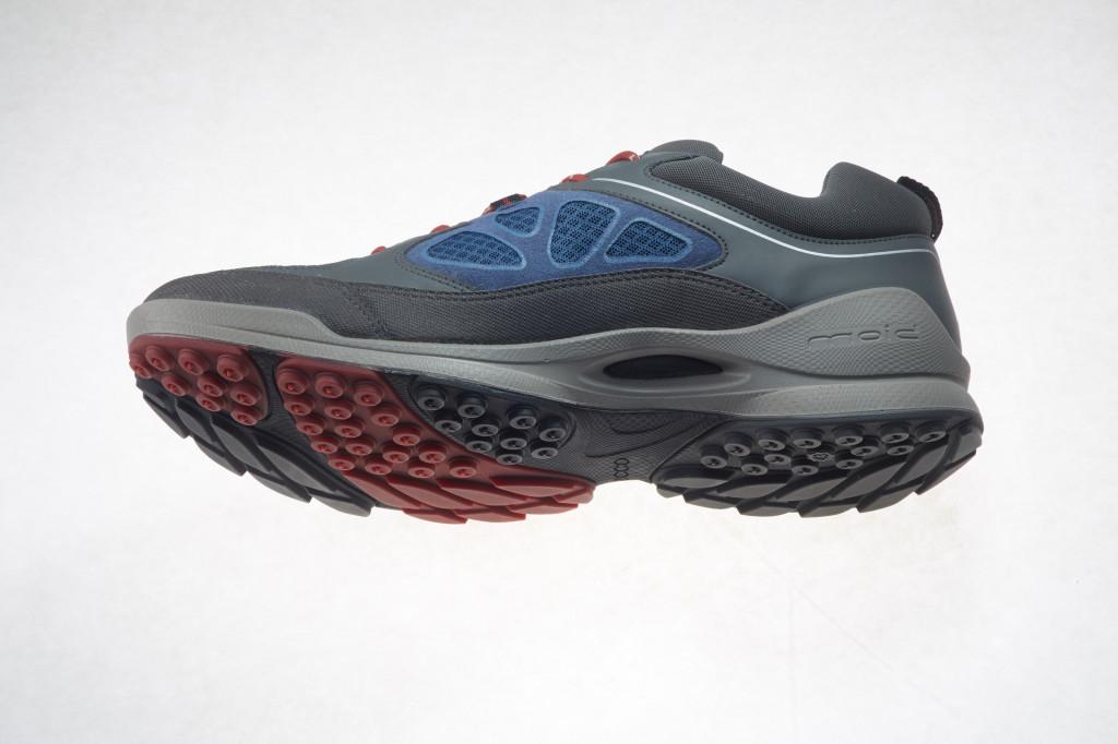 ecco boom trail shoes