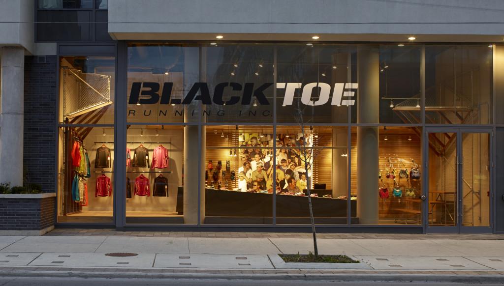 Black Toe exterior