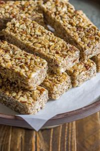 Healthy-Chewy-Apple-Cinnamon-Granola-Bars-3