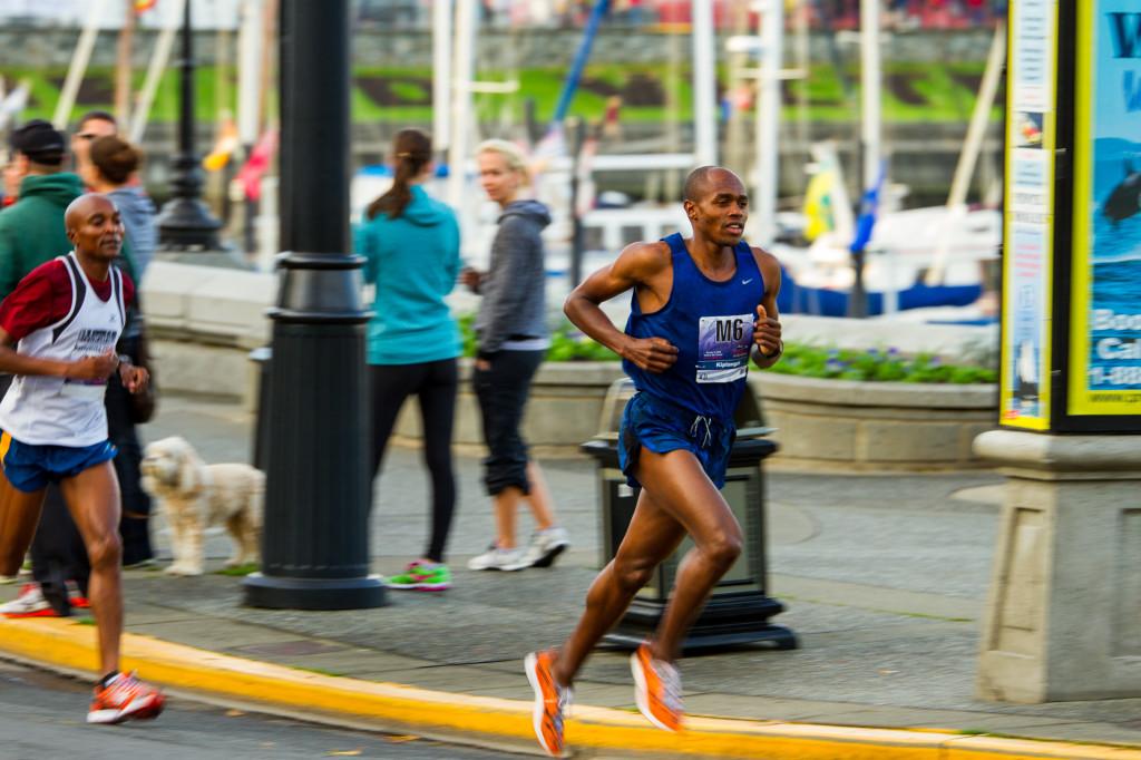 Kip Tisia running at the GoodLife Victoria Marathon. Photo: Nicholas Callanan