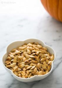 roasted-pumpkin-seeds-vertical-a-1200
