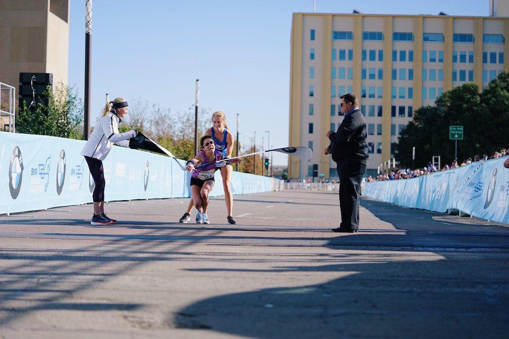 Gut Wrenching Finish To The 2017 Dallas Marathon Canadian Running Magazine