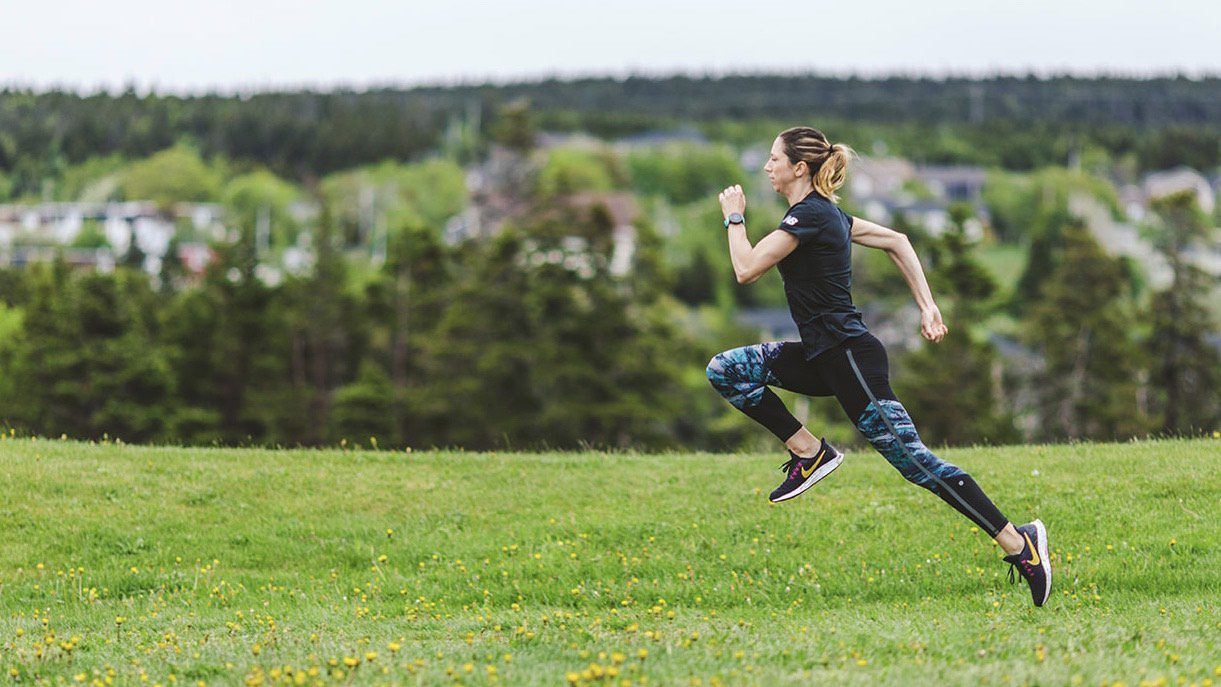 Hate the gym? Add exercise stops into your run - Canadian Running Magazine